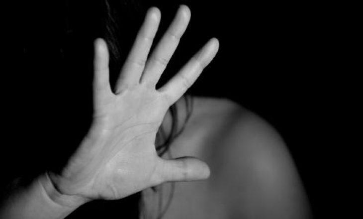 Dhunë në familje, burri rrah gruan