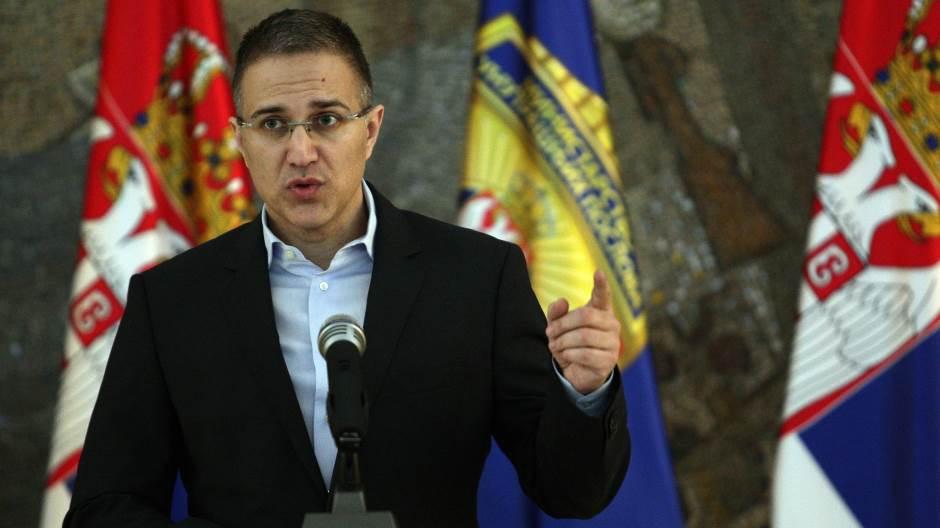 Armwatch  Babai i zëvendëskryeministrit të Serbisë eksporton armë për terroristët