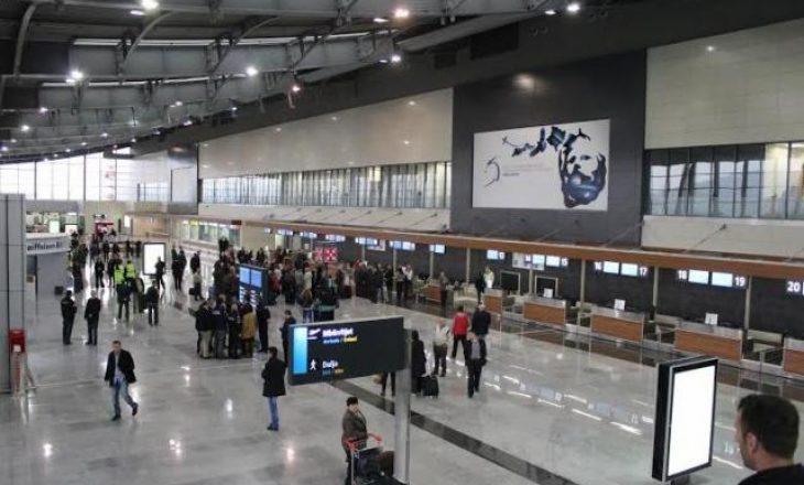 Tentoi të udhëtojë me pasaportë false, arrestohet në aeroport