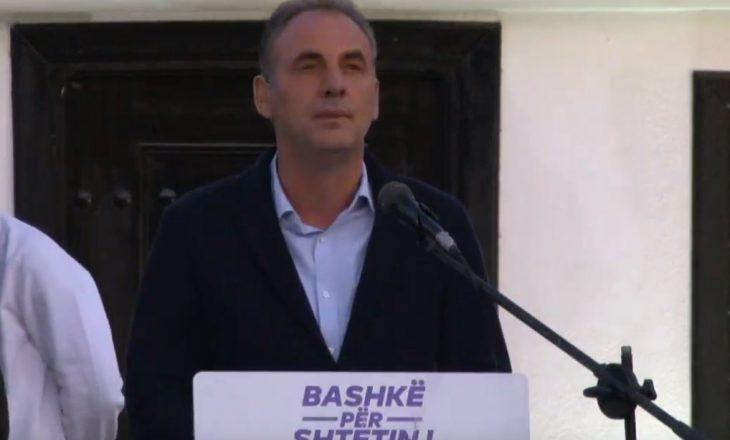 Fatmir Limaj ndërpret fjalimin në Prizren shkaku i ezanit