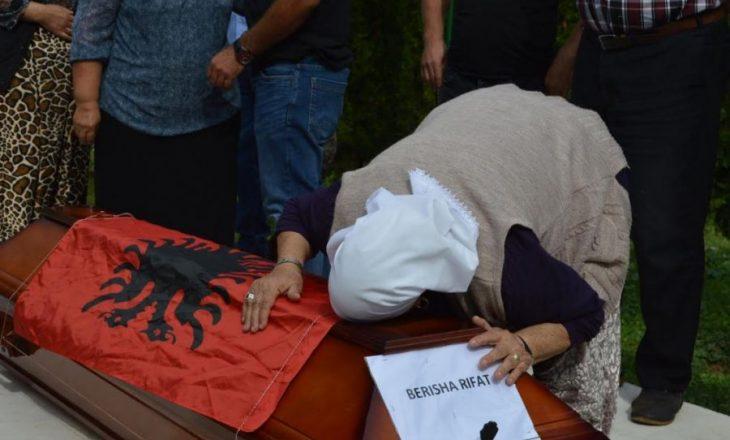 Kthehen në Kosovë eshtrat e Rifat Berishës, i zhdukur para 27 vitesh në Bosnje