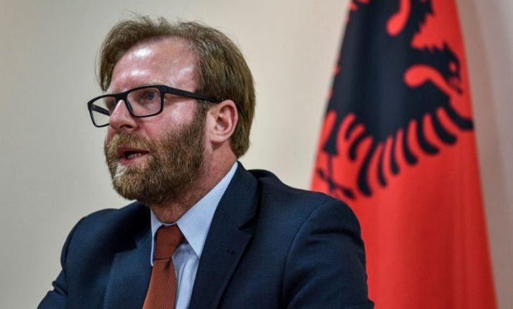 Abazi: Qeveria Hoti rrezikon sigurinë kombëtare