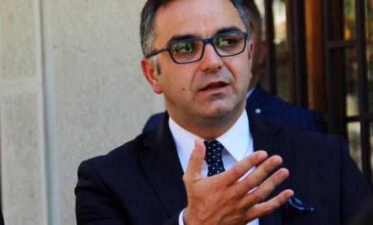 Besnik Tahiri kritikon BE-në