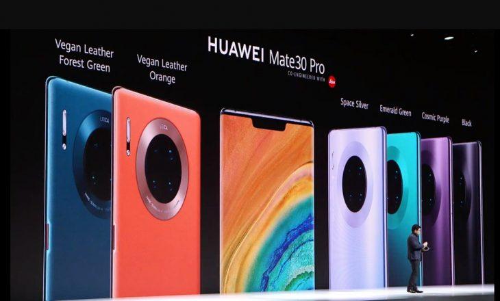 Huawei Mate 30 Pro me ekran që përfshinë edhe pjesët anësore dhe kamerë të fuqishme