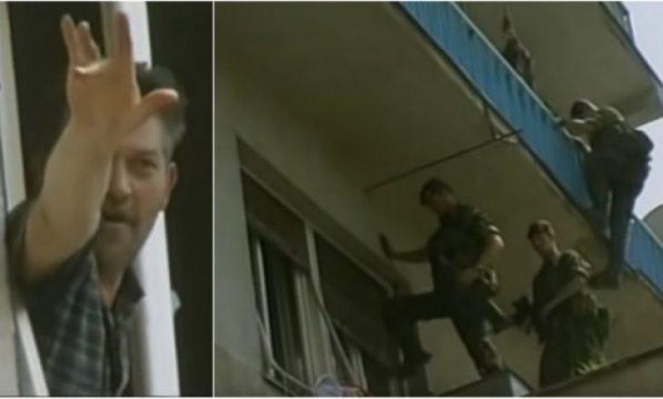 Uzurpimet e banesave, KFOR-i britanik i hynë nga dritarja serbit në Prishtinë