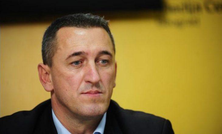Policia jep detaje për rrahjen e djalit të politikanit Nenad Rashiqit