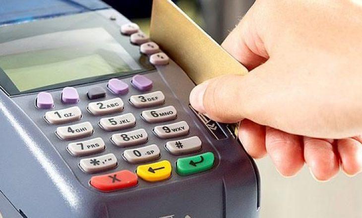 Rritet numri i biznesve në Shqipëri që ofrojnë pagesa me kartë bankare
