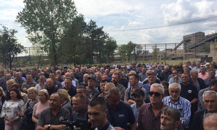 Protestojnë punëtorët e KEK-ut, kërkojnë të hiqen nga Ligji i Pagave