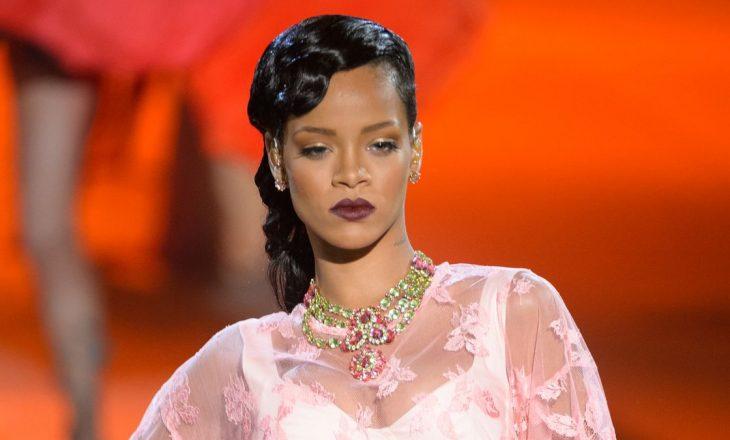 """Rihanna është gati të """"zëvendësojë"""" fuqishëm Victoria's Secret"""