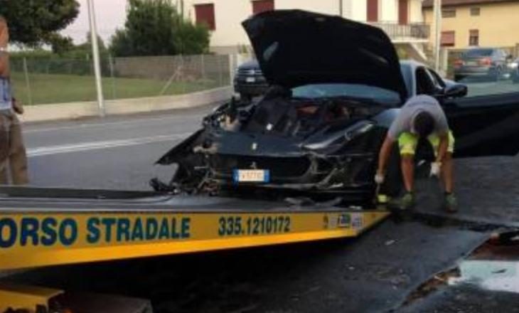 Shkatërron makinën 300 mijë euro të të atit, djali i biznesmenit shpëton për pak