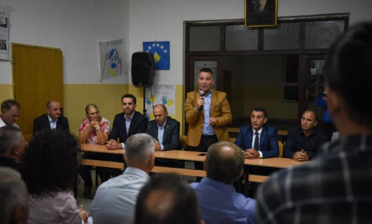 Lekaj: Novosella dhe Hereqi qëndrojnë përkrah '100% Kosovë'