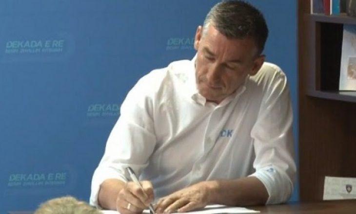 E refuzojnë partitë, Veseli fton qytetarët që ta nënshkruajnë paktin kundër korrupsionit