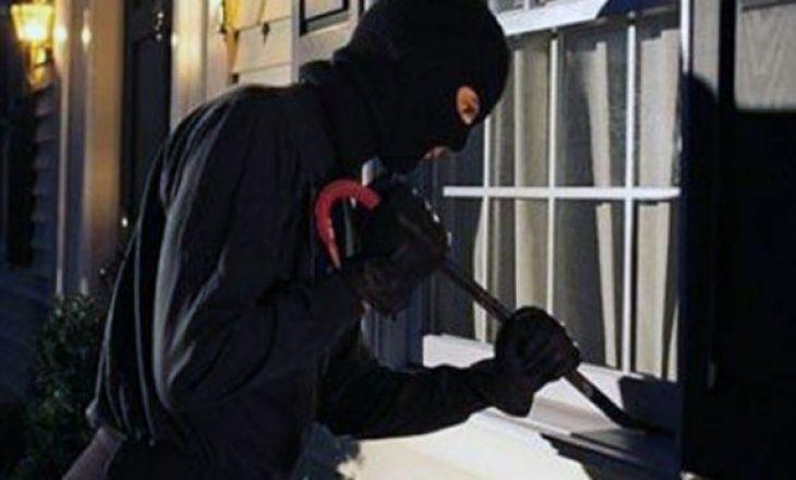 Shqiptarët thyejnë një vilë në Itali, vjedhin bizhuteri dhe 60 mijë euro