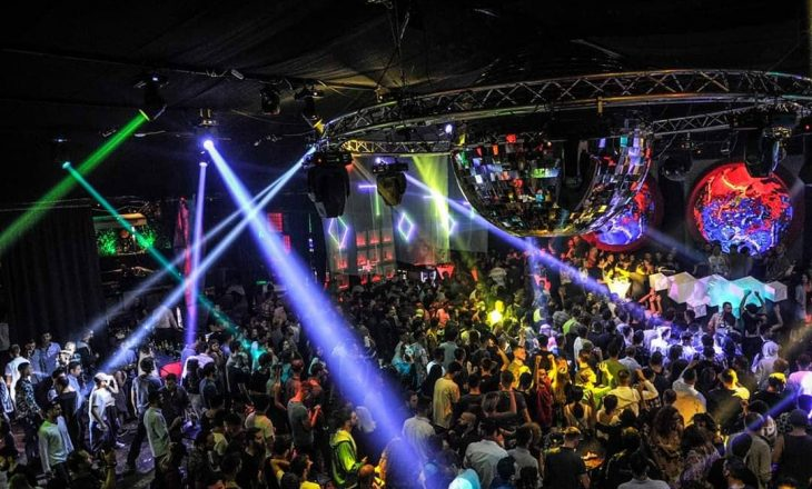 DJ famë botërore, Mahmut Orhan do të performojë për herë të parë në Zone Club