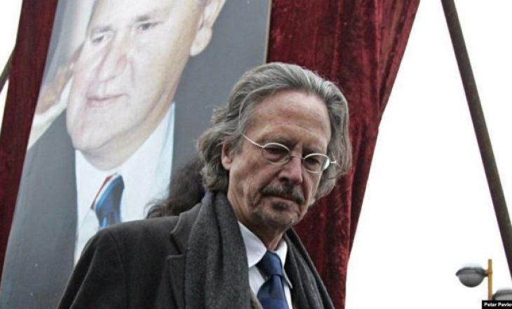 Japin dorëheqje dy anëtarë të Komitetit të Nobelit, arsye edhe shkrimtari Handke