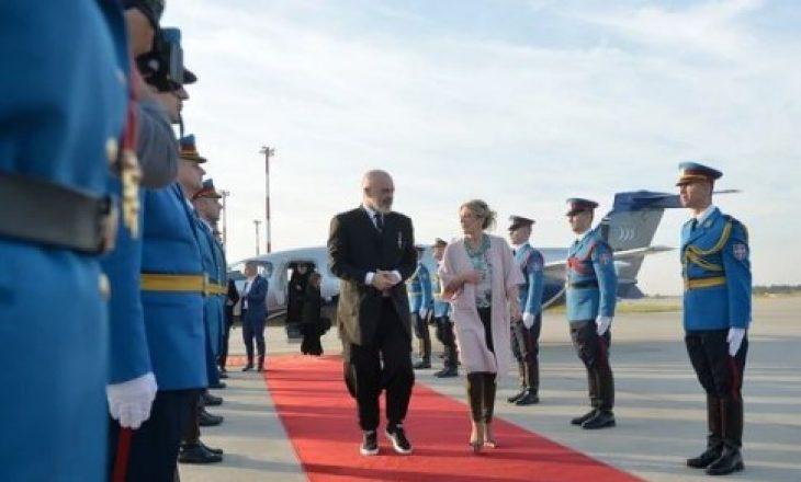 """Me ftesë të Vuçiqit – Rama mbërrin në Novi Sad për """"Shengenin"""" ballkanik"""