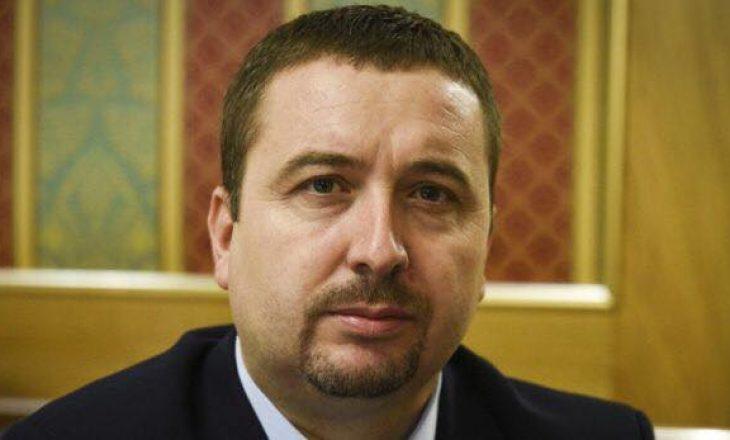 Latifi: Xhamia e Erdoganit tregon se Kosova është nën hijen e Turqisë