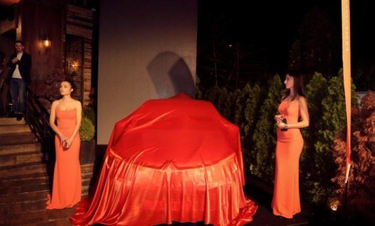 Prishtina dominohet nga e portokallta – Prezantohet ikona Clio e re, dominuesja e rrugëve të Kosovës tash e sa vjet