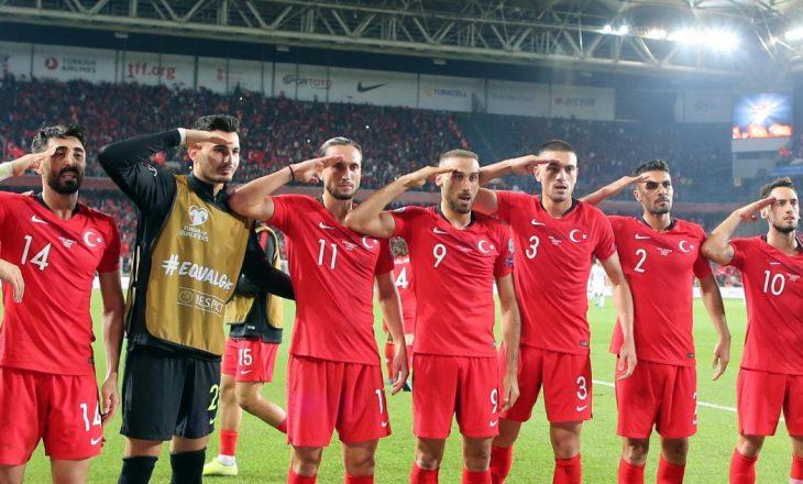 Përshëndetja e futbollistëve turq trazon edhe Italinë