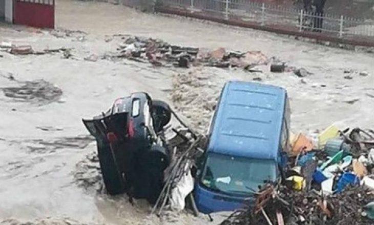 Itali, moti i keq shkakton viktimat e para