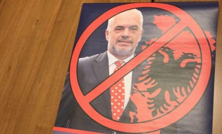 Janë ndaluar të rinjtë serbë për shkak të përgatitjes së protestës kundër Ramës