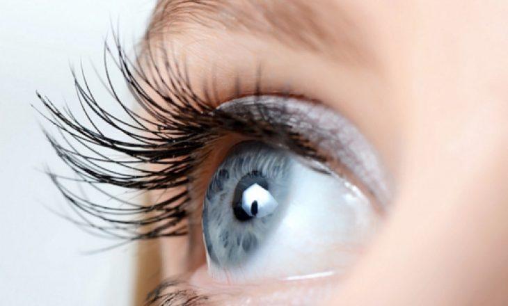 Përse dridhet syri? Ky është shpjegimi shkencor