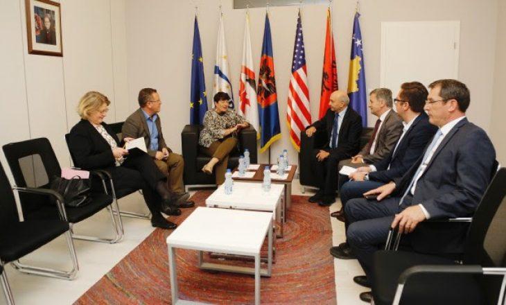 Mustafa, ambasadores franceze: Po shkojmë drejt një programi qeverisës me VV-në