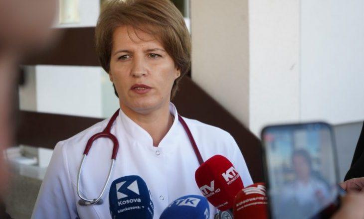 Drejtoresha e Klinikës Infektive flet për të helmuarit nga zarfet nga Serbia: Nuk bëhet fjalë për sëmundje infektive