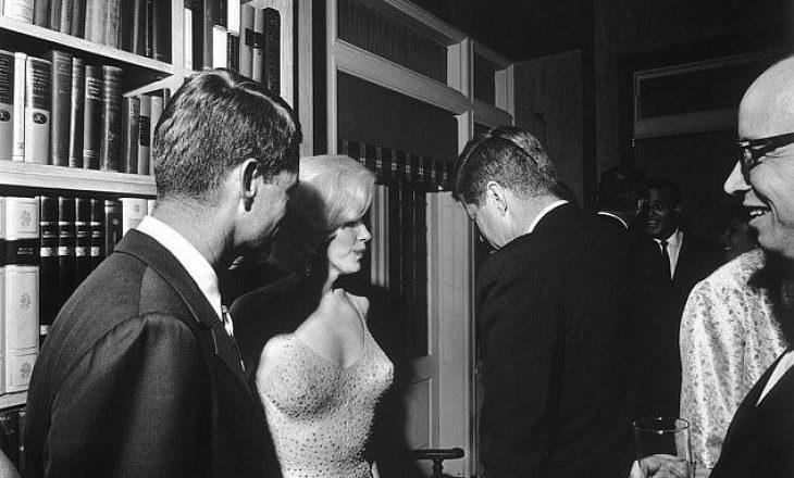 Zbulohet sekreti i veshjes se Marilyn Monroe, e uroi presidentin Kennedy pa të brendshme