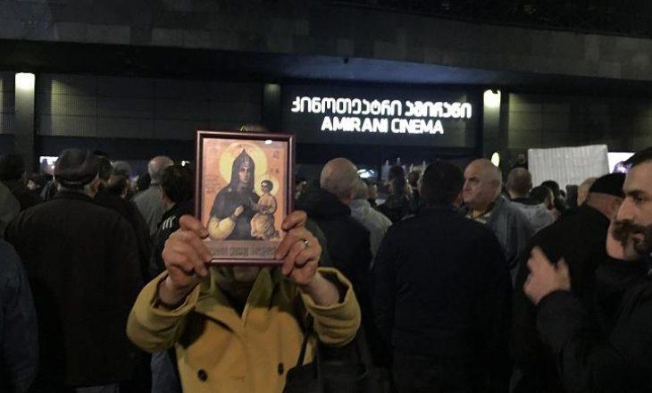 Arrestohen 25 persona pas përleshjeve në premierën e filmit për homoseksual në Gjeorgji