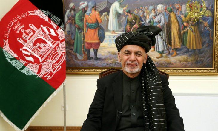 Afganistani pranon të shkëmbejë të burgosurit me talibanët