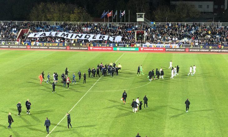 Gazetari anglez: Ja çka ndodhi në fund në ndeshjes në 'Fadil Vokrri'