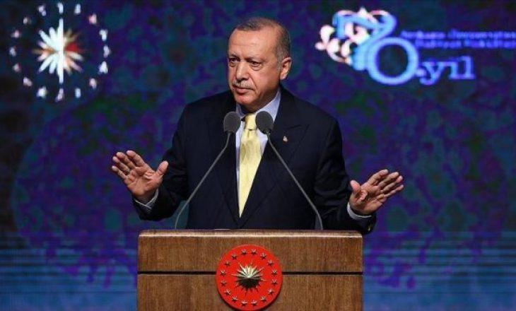 Erdogan realizon vizitë të papritur në Tunizi