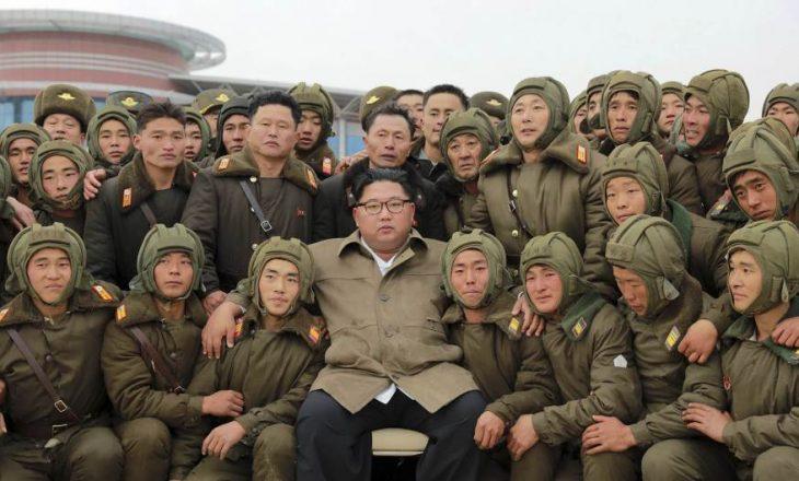 Kim Jong-un premton ndërtimin e ushtrisë së pamposhtur