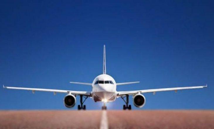 Merr flakë gjatë zbritjes avioni me 196 persona në bord