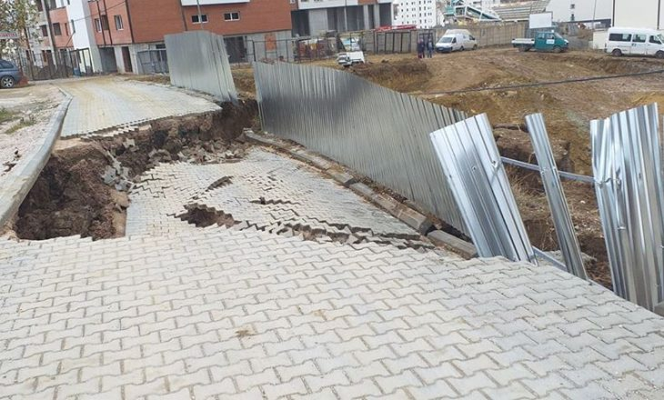 Shkaku i ndërtimit të lartë, shembet rruga në Prishtinë