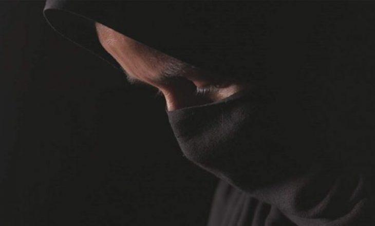 Shtetasi shqiptar kapet në kufi, akuzohet për abuzim seksual