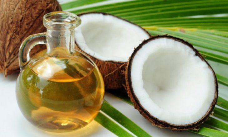 Pse vaji i kokosit është zgjidhja e çdo problemi me flokët?