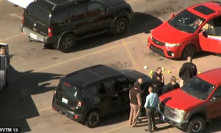 Kap mat gruan me të dashurin, burri i vret të dy brenda në makinë