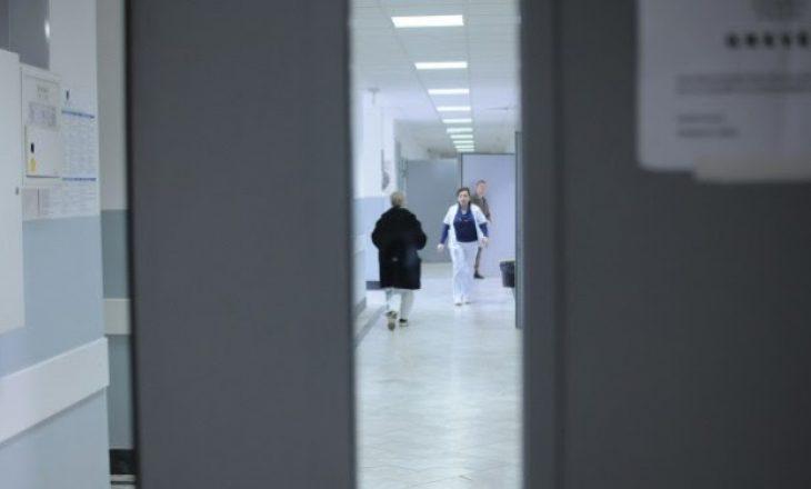 Sulmohet mjeku dhe polici në Gjakovë