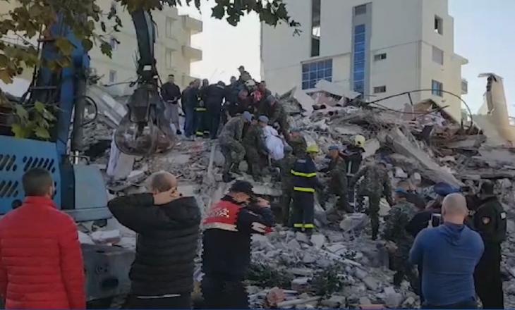 Shqiptarët solidarizohen me tërmetin, ja sa është shuma e grumbulluar deri më tani