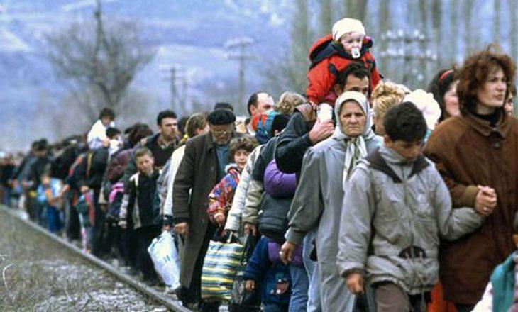 Enver Hoxha ekspozon krimet e luftës në Kosovë përmes fotografive