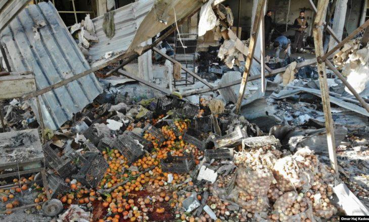 Aeroplanët rusë dhe sirianë vrasin së paku 15 civilë në Siri