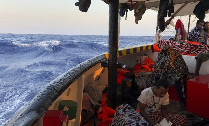 Të paktën 62 emigrantë humbin jetën në det të hapur