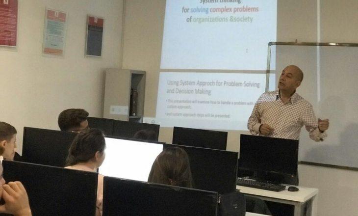 Përvoja e profesorit nga Turqia që ligjëroj në Kolegjin Universum