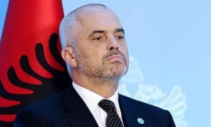 """""""Vajzën tonë e bënë dashnore të ministrit"""""""