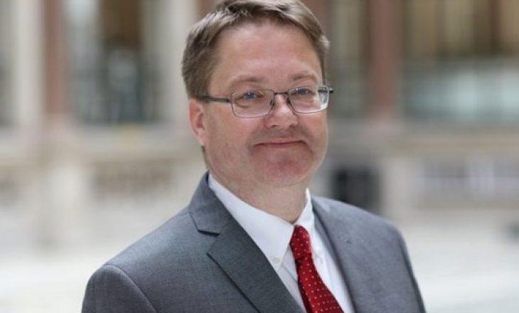 Ambasada britanike përveç urimit për Konjufcën, kritikon vonesën e krijimit të qeverisë