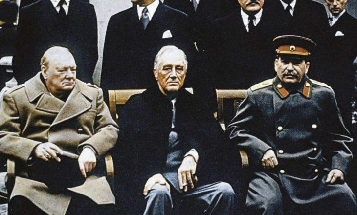 Konferenca e Jaltës, me sytë e Stalinit, udhëheqësi sovjetik vendosi përgjues në dhomat e Rooseveltit dhe Churchillit