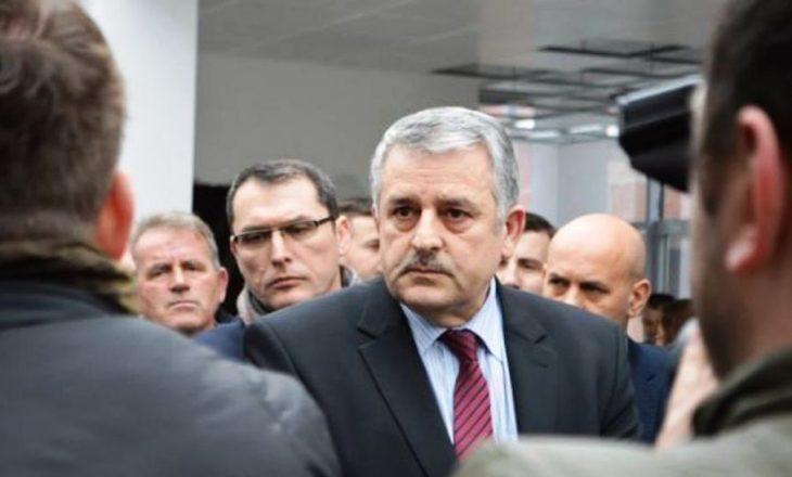 Veliu e quan të pamençur deklaratën e Konjufcës, se në postin e presidentit do ta pranonin Vjosa Osmanin
