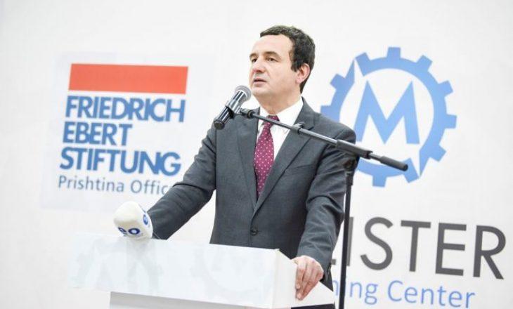 """Kurti: Të rinjtë në Kosovë po përfundojnë si """"akademikë"""", në Gjermani pak të rinj studiojnë"""